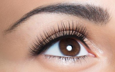 Tricks to Thicker, Fuller Lashes!